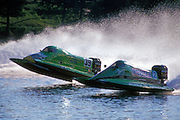 Wyatt Nelson (#39) and Scott Ard (#2) lead the field off the start dock. Altamonte Springs,FL 1998 (SST-120)