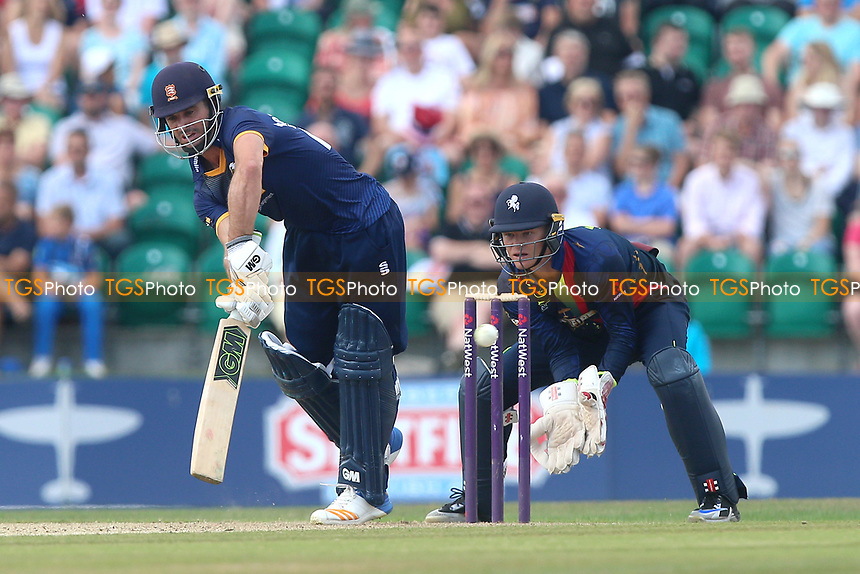 Ryan ten Doeschate in batting action for Essex as Sam Billings looks on from behind the stumps during Kent Spitfires vs Essex Eagles, NatWest T20 Blast Cricket at The County Ground on 9th July 2017