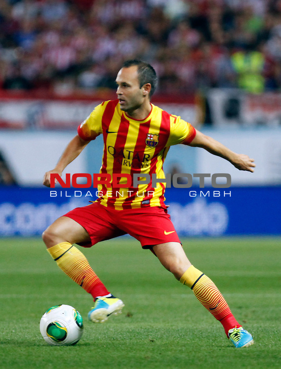 FC Barcelona's  Andres Iniesta during Supercup of Spain 1st match.August 21,2013. Foto © nph / Victor Blanco)