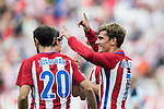 Antoine Griezmann of Atletico Madrid celebrates with teammates during their La Liga match between Atletico Madrid and Deportivo de la Coruna at the Vicente Calderon Stadium on 25 September 2016 in Madrid, Spain. Photo by Diego Gonzalez Souto / Power Sport Images