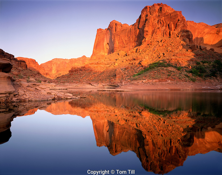 Reflection in Knowles Canyon, Glen Canyon National Recreation Area, Utah    Lake Powell