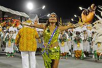 SAO PAULO, SP, 25 DE FEVEREIRO 2012 - DESFILE DAS CAMPEÃS DO CARNAVAL SP - VILA MARIA: Rainha da Bateria Quitéria Chagas durante desfile da escola de samba Unidos de Vila Maria no desfile das Campeãs do Carnaval 2012 de São Paulo, no Sambódromo do Anhembi, na zona norte da cidade, neste sábado.(FOTO: LEVI BIANCO - BRAZIL PHOTO PRESS).