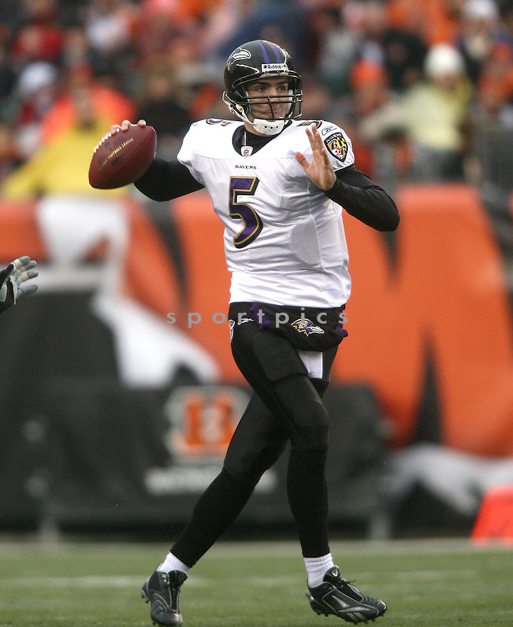 JOE FLACCO, of the Baltimore Ravens, in action against the Cincinnati Bengals during the Ravens game in Oakland, California on November 30, 2008..Raven win 34-3