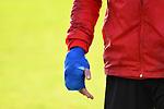 15.02.2020, Sportpark Illoshöhe, Osnabrück, GER, 2. FBL, Training VfL Osnabrueck <br /> <br /> im Bild<br /> Torhueter Nils Körber / Koerber (VfL Osnabrück #1) musste das Training aufgrund einer Verletzung abbrechen. Verletzt / Verletzung / Schmerzen<br /> <br /> Die rechte Hand ist bandagiert. <br /> <br /> Foto © nordphoto / Paetzel