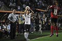 SÃO PAULO,SP,13 MARÇO 2013 - COPA LIBERTADORES AMÉRICA 2013 - CORINTHIANS (Bra) x THIJUANA (MEX) - Alessandro jogador do Corinthians durante partida Corinthians x Thijuana válido pela 4º rodada da Copa Libertadore América 2013 no Estádio Paulo Machado de Carvalho (Pacaembu) na noite desta quarta feira (13).FOTO ALE VIANNA - BRAZIL PHOTO PRESS.