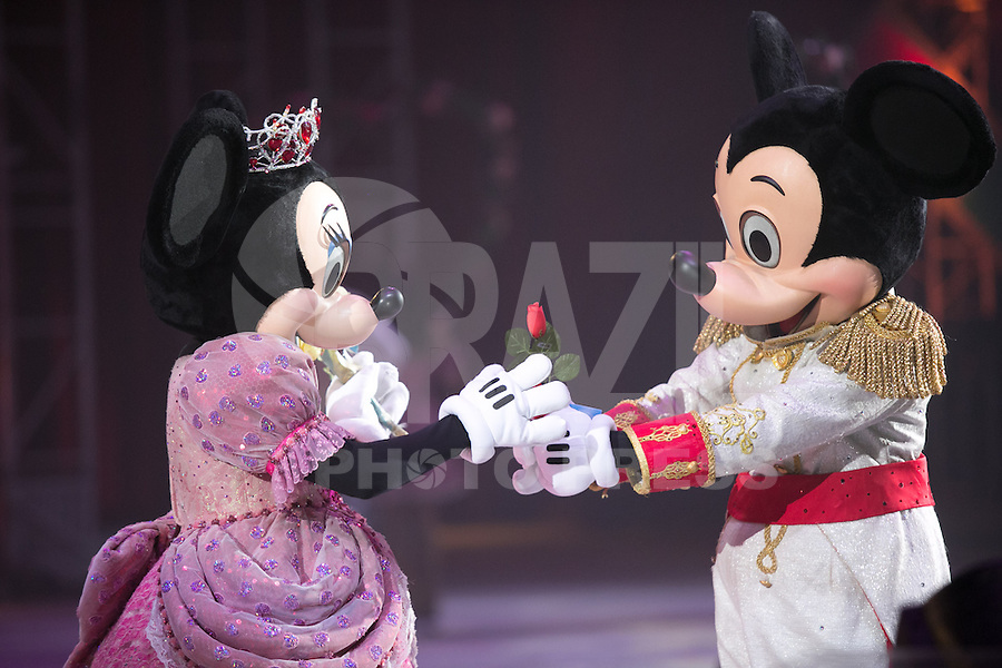 SAO PAULO, SP. 15 DE MAIO DE 2013. ESTREIA DISNEY ON ICE - VAMOS FESTEJAR.  O espetáculo de patinação no gelo Disney On Ice - Vamos festejar estreia na noite desta quarta feira no Ginasio do Ibirapuera, na zona sul da capital paulista. FOTO ADRIANA SPACA/BRAZIL PHOTO PRESS