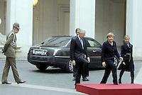 Roma, 13 Marzo 2012.Palazzo Chigi.Incontro tra il Presidente del Consiglio Mario Monti e il cancelliere tedesco Angela Merkel.Picchetto d'Onore