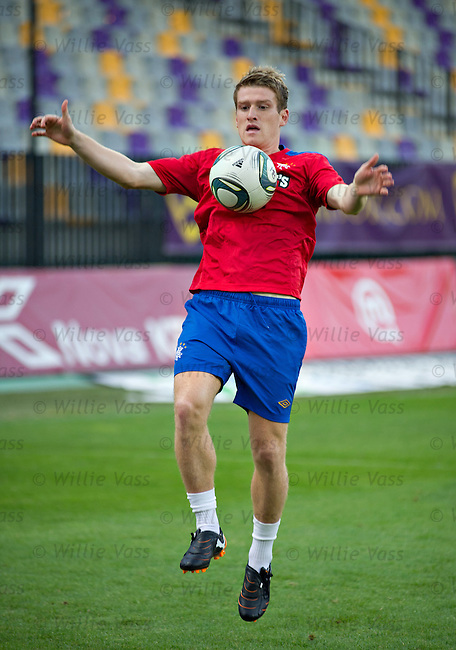 Steven Davis at training in Maribor