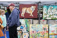 Cotton District Arts Festival (CDAF): bulldog art vendor.<br />  (photo by Megan Bean / &copy; Mississippi State University)