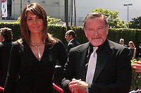 LOS ANGELES - AUG 21:  Susan Schneider & Robin WIlliams arrives at the 2010 Creative Primetime Emmy Awards at Nokia Theater at LA Live on August 21, 2010 in Los Angeles, CA