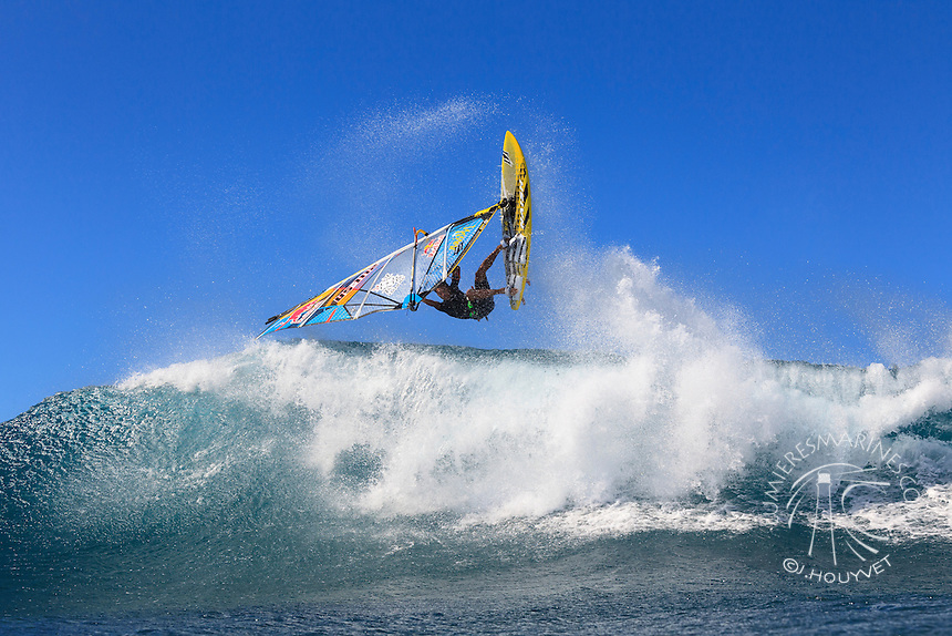 Kai Lenny (USA) windsurfing in Ho'okipa Beach Park (Maui, Hawaii, USA)