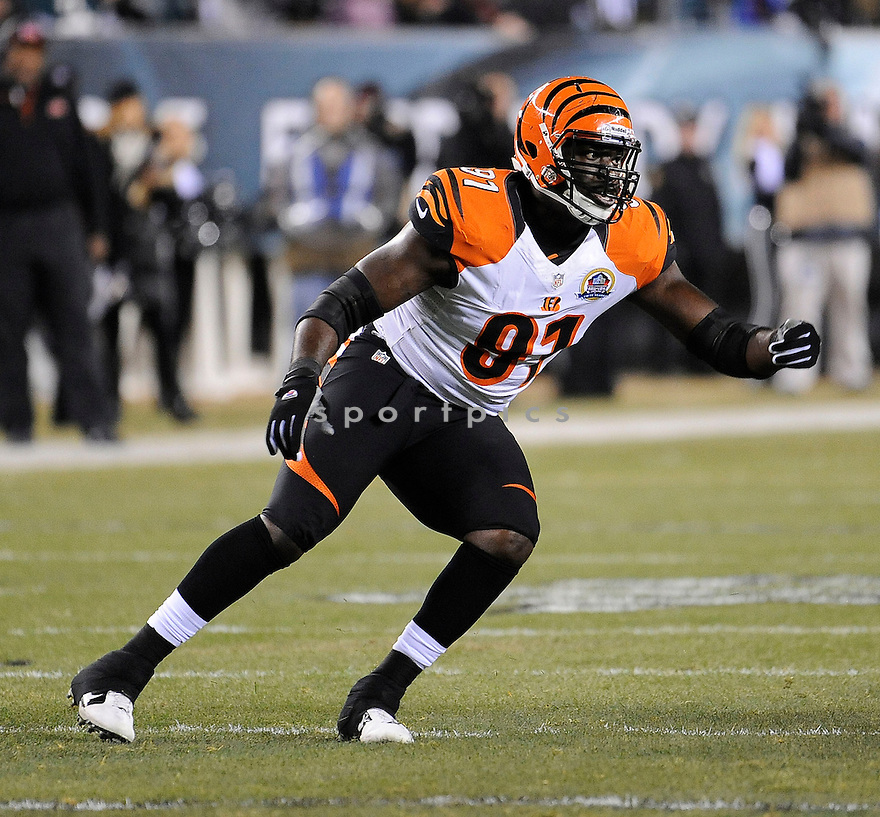 Cincinnati Bengals Robert Geathers (91) in action during a game against the Eagles on December 13, 2012 at Lincoln Financial Field in Philadelphia, PA. The Bengals beat the Eagles 34-13.