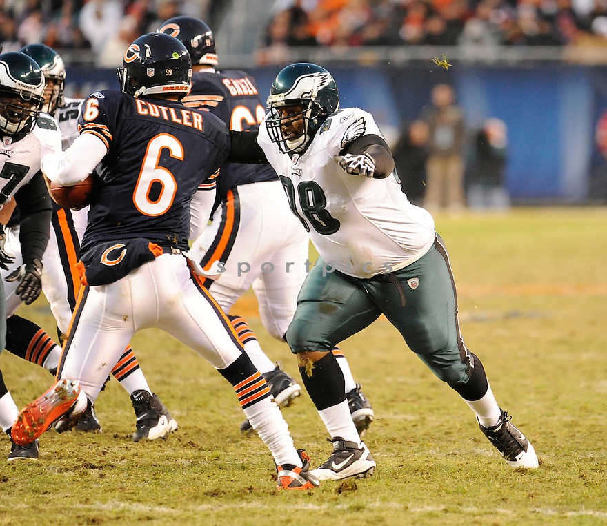 MIKE PATTERSON, of the Philadelphia Eagles in action durIng the Eagles game against the Chicago Bears at Soldier Field in Chicago, IL on November 28, 2010...Bears beat the Eagles 31-26.