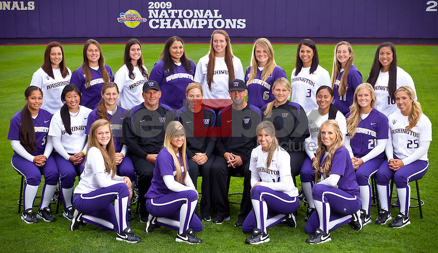 2011-12 University of Washington Huskies softball team at Husky Softball Stadium in Seattle Wednesday, Sept. 14, 2011. (Photo by Andy Rogers/Red Box Pictures)