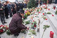 Offizielles Gedenken durch berliner Politiker am 2.Jahrestag des Terroranschlag durch den islamistischen Terroristen Anis Amri auf den Weihnachtsmarkt am Berliner Breitscheidplatz am 19. Dezember 2016.<br /> Im Bild: Astrid Passin, Sprecherin der Opfer und Hinterbliebenen legt fuer ihren ermordeten Vater Blumen nieder.<br /> 19.12.2018, Berlin<br /> Copyright: Christian-Ditsch.de<br /> [Inhaltsveraendernde Manipulation des Fotos nur nach ausdruecklicher Genehmigung des Fotografen. Vereinbarungen ueber Abtretung von Persoenlichkeitsrechten/Model Release der abgebildeten Person/Personen liegen nicht vor. NO MODEL RELEASE! Nur fuer Redaktionelle Zwecke. Don't publish without copyright Christian-Ditsch.de, Veroeffentlichung nur mit Fotografennennung, sowie gegen Honorar, MwSt. und Beleg. Konto: I N G - D i B a, IBAN DE58500105175400192269, BIC INGDDEFFXXX, Kontakt: post@christian-ditsch.de<br /> Bei der Bearbeitung der Dateiinformationen darf die Urheberkennzeichnung in den EXIF- und  IPTC-Daten nicht entfernt werden, diese sind in digitalen Medien nach &sect;95c UrhG rechtlich geschuetzt. Der Urhebervermerk wird gemaess &sect;13 UrhG verlangt.]