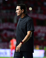 CALI - COLOMBIA, 17-11-2019: Alexandre Guimaraes técnico del América gesticula durante partido por la fecha 3, cuadrangulares semifinales, de la Liga Águila II 2019 entre América de Cali y Deportivo Cali jugado en el estadio Pascual Guerrero de la ciudad de Cali. / Alexandre Guimaraes coach of America de Cali gestures during match for the date 3, quadrangular semifinals, as part of Aguila League II 2019 between America de Cali and Deportivo Cali played at Pascual Guerrero stadium in Cali. Photo: VizzorImage / Nelson Rios / Cont