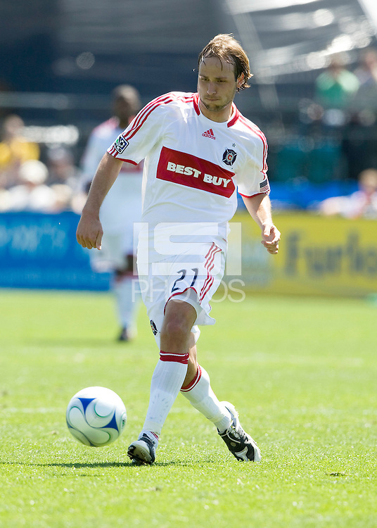 April 11, 2009:  Justin Mapp of Fire in action during the game against the Earthquakes at Buck Shaw Stadium in Santa Clara, California. San Jose Earthquakes and Chicago Fire tied, 3-3
