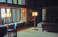 F.L. Wright: Wright Room at Metropolitan Museum of Art, New York.