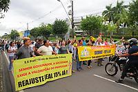 MANAUS, AM, 22.04.2019: GREVE-MANAUS - Há uma semana paralisados, os professores da rede estadual realizaram manifestações nesta segunda-feira (22). O Sindicato dos Professores e Pedagogos de Manaus (Asprom Sindical), se concentraram na frente da sede do governo, na avenida brasil, bairro compensa, e o Sindicato dos Trabalhos em Educação do Estado do Amazonas (Sinteam), se concentraram na Ponte Rio Negro, no mesmo bairro, zona oeste da cidade. Os professores depois foram andando da Ponte Rio Negro até a sede do governo para encontra com os professores que permaceciam no local. (<br /> Foto: Sandro Pereira/Código19)