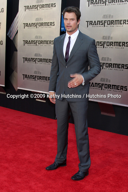 """Josh Duhamel  arriving at the """"Transformers: Revenge of the Fallen"""" Premiere at the Mann's Village Theater in Westwood, CA  on June 22, 2009.  .©2009 Kathy Hutchins / Hutchins Photo"""