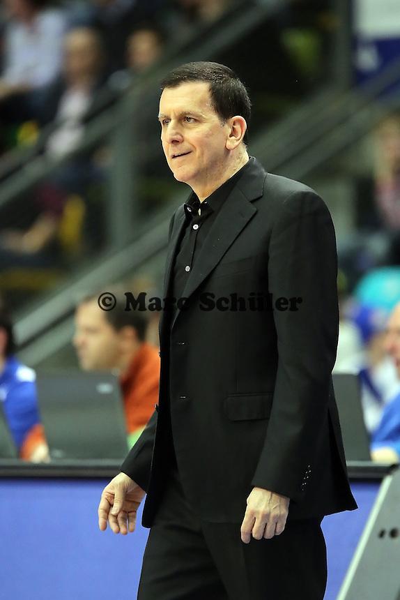 Trainer Muli Katzurin (Skyliners)