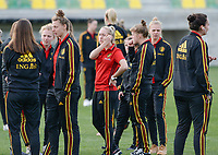 20180228 - LARNACA , CYPRUS :  Belgian players with Celien Guns (middle) pictured during a recognition of the pitch before women's soccer game between Spain and the Belgian Red Flames , on friday 2 March 2018 at the AEK Arena in Larnaca , Cyprus . This is the second  game in group B for  Belgium during the Cyprus Womens Cup , a prestigious women soccer tournament as a preparation on the World Cup 2019 qualification duels. PHOTO SPORTPIX.BE   DAVID CATRY
