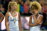 ENG - London, England, August 30: Players of The Netherlands look dejected after loosing the final of the Unibet EuroHockey 2015 geld medal match against England on August 30, 2015 at Lee Valley Hockey and Tennis Centre, Queen Elizabeth Olympic Park in London, England. Final score 2-2 (3-1 SO). (Photo by Dirk Markgraf / www.265-images.com) *** Local caption *** Laura NUNNINK #20 of The Netherlands, Maria VERSCHOOR #11 of The Netherlands