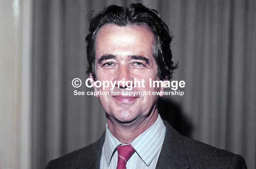 Bill Rodgers, prominent member, SDP, Social Democratic Party, UK, former Labour Party MP, speaking at annual conference, September, 1984, 19840109BR1..Copyright Image from Victor Patterson, 54 Dorchester Park, Belfast, UK, BT9 6RJ..Tel: +44 28 9066 1296.Mob: +44 7802 353836.Voicemail +44 20 8816 7153.Skype: victorpattersonbelfast.Email: victorpatterson@me.com.Email: victorpatterson@ireland.com (back-up)..IMPORTANT: If you wish to use this image or any other of my images please go to www.victorpatterson.com and click on the Terms & Conditions. Then contact me by email or phone with the reference number(s) of the image(s) concerned.