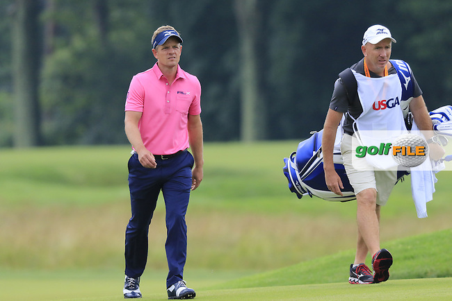 Luke Donald (ENG) walks up to the 9th green during Friday's Round 1 of the 2016 U.S. Open Championship held at Oakmont Country Club, Oakmont, Pittsburgh, Pennsylvania, United States of America. 17th June 2016.<br /> Picture: Eoin Clarke | Golffile<br /> <br /> <br /> All photos usage must carry mandatory copyright credit (&copy; Golffile | Eoin Clarke)