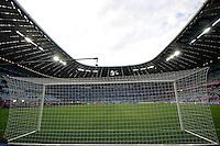 MUNIQUE, ALEMANHA, 19 DE MAIO DE 2012 - LIGA DOS CAMPEOES FINAL - BAYERN  DE MUNIQUE X CHELSEA - Torcedores sao vistos no estadio Allianz Arena em Munique na Alemanha momentos antes da partida final da Liga dos Campeoes da Europa, entre Bayern de Munique x Chesea. (FOTO: WILLIAM VOLCOV / BRAZIL PHOTO PRESS).