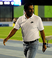 BARRANCABERMEJA-COLOMBIA, 14-02-2020: Alexis García, técnico de La Equidad, durante partido Alianza Petrolera y La Equidad, de la fecha 5 por la Liga BetPlay DIMAYOR I 2020 en el estadio Daniel Villa Zapata en la ciudad de Barrancabermeja. / Alexis García, coach of La Equidad, during a match between Alianza Petrolera and La Equidad, of the 5th date for the BetPlay DIMAYOR Leguaje I 2020 at the Daniel Villa Zapata stadium in Barrancabermeja city. Photo: VizzorImage  / José D. Martínez / Cont.