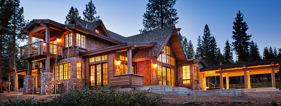House on the hill. Crestwood Construction, Truckee, CA, photographed by GP Martin