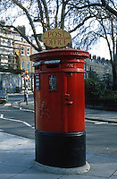 London: Post Box, Bedford Square.