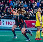 UTRECHT - Xan de Waard (Ned) heeft gescoord en viert het met Ginella Zerbo (Ned)   tijdens  de Pro League hockeywedstrijd wedstrijd , Nederland-China (6-0) .  COPYRIGHT  KOEN SUYK
