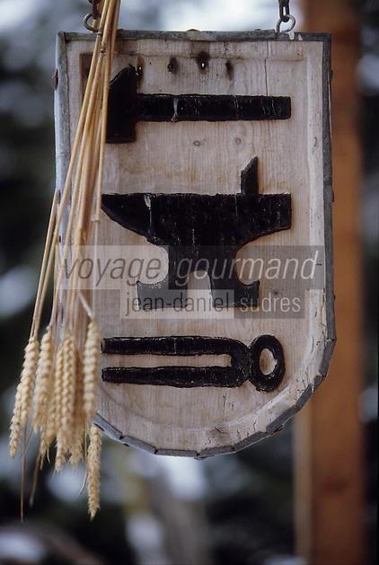 Europe/France/Rhone-Alpes/73/Savoie/Saint-Martin-de-Belleville: détail enseigne forgeron au hameau de Villaranger