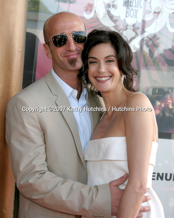Stephen Kay  & Teri Hatcher.Tuberous Sclerosis Alliance .6th Annual Comedy for a Cure.Music box Theater.Hollywood, CA.April 1, 2007.©2007 Kathy Hutchins / Hutchins Photo....