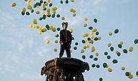 """SAO PAULO, SP, 02 SETEMBRO 2012 - GRITO Encenação do espetáculo """"Grito do Ipiranga"""", abre a Semana da Pátria em São Paulo. A primeira encenação teatral da Proclamação da Independência, ato em que D. Pedro I anunciou às margens do riacho do Ipiranga. As cenas históricas do último ato foram interpretadas pelos atores Murilo Rosa (D. Pedro I), e Déborah Secco (Maria Leopoldina) e Renato Borghi (José Bonifácio de Andrada e Silva). A direção é de Nelson Baskerville (Prêmio Shell 2012 como melhor diretor), no Parque da Independência no bairro do Ipiranga região sul da capital paulista, neste domingo, 02.FOTO: VANESSA CARVALHO - BRAZIL PHOT PRESS."""