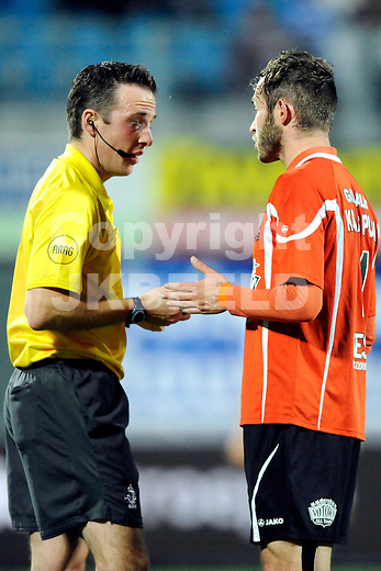 ZWOLLE - Voetbal, FC Zwolle - FC Volendam , seizoen 2011-2012, 16-09-2011 Volendam speler Dominique van Dijk (r) met arbiter E. van der Graaf.  ANP PRO SHOTS
