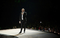 Nys personally thanks everyone in the arena for simply everything...<br /> <br /> 'Merci Sven' (twice!) sold out arena event: <br /> tribute-show celebrating Sven Nys' career/retirement together with 18.000 people in the Sportpaleis Arena