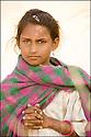 2006- Inde- désert du Rajasthan, jeune paysanne.