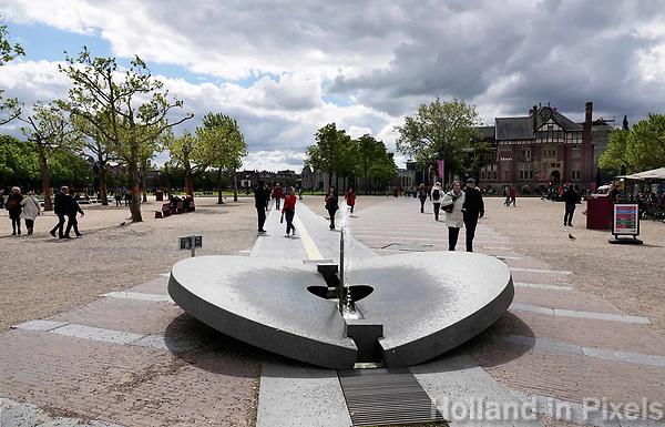 Nederland - Amsterdam - 2019.   Kleine fontein op het Museumplein. Foto Berlinda van Dam / Hollandse Hoogte