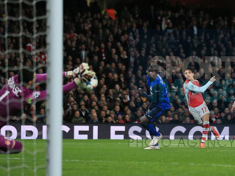 Arsenal's Alexis Sanchez sees his shot saved by Monaco's Danijel Subasic<br /> <br /> Champions League - Arsenal  vs AS Monaco  - Emirates Stadium - England - 25th February 2015 - Picture David Klein/Sportimage