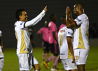 TUNJA - COLOMBIA -30-07-2016: Santiago Montoya (Izq.) jugador de Deportes Tolima, celebra el gol anotado a Boyaca Chico FC, durante partido Boyaca Chico FC y Jaguares FC, de la fecha 6 de la Liga Aguila II-2016, jugado en el estadio La Independencia de la ciudad de Tunja. / Santiago Montoya (L) player of Deportes Tolima, celebrates a goal scored to Boyaca Chico FC during a match Boyaca Chico FC and Deportes Tolima, for the date 6 of the Liga Aguila II-2016 at the La Independencia  stadium in Tunja city, Photo: VizzorImage  / Cesar Melgarejo / Cont.