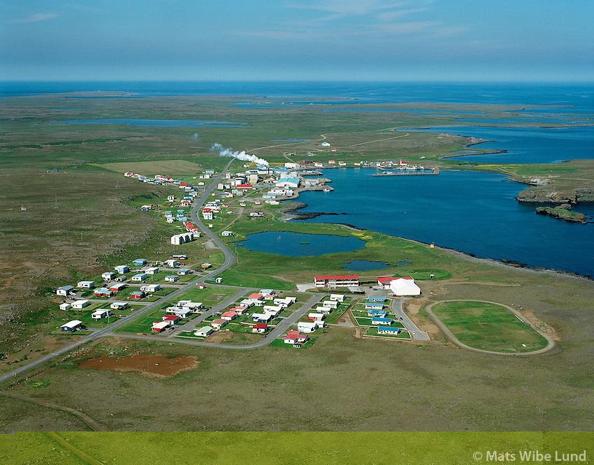 Raufarhöfn, loftmynd til norðurs, /.Raufarhofn, aerial viewing north. .Norðurþing / Nordurthing