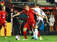 Mesut Özil (Deutschland Germany) gegen Vladimir Darida (Tschechische Republik) - 01.09.2017: Tschechische Republik vs. Deutschland, Eden Arena