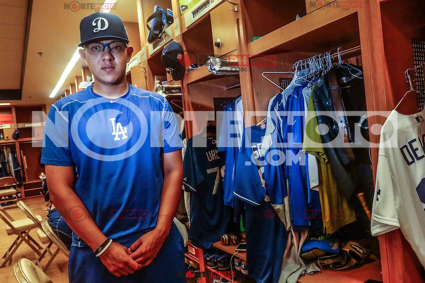 Julio Urias, pitcher mexicano perteneciente a la organizacion de Los Dodgers de los Angeles (LA), durante Spring Training en el estadio Camelback Ranch,  previo al inicio de temporada de las Ligas Mayores del Beisbol  2016. 16 marzo 2016  Glendale, Arizona, USA.