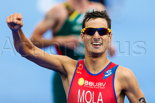 31.05.2014.  London, England.  Mario MOLA (ESP) celebrates winning the ITU World Triathlon Elite Men's race being held in Hyde Park.
