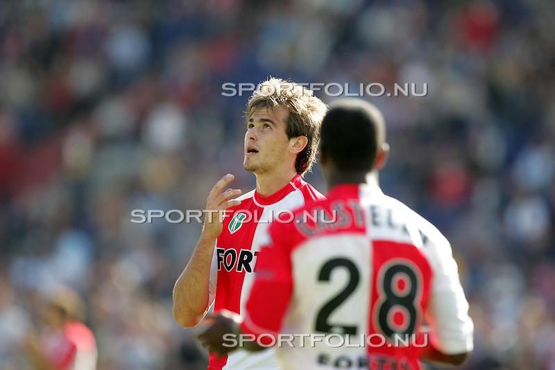 Nederland, Rotterdam, 12 september 2004.Holland Casino Eredivisie .Seizoen 2004-2005.Feyenoord - FC Twente (3-1).Danko Lazovic van Feyenoord roept de goden aan nadat zijn doelpoging is mislukt.