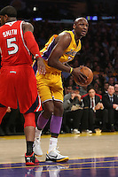 02/22/11 Los Angeles, CA: Los Angeles Lakers power forward Lamar Odom #7 during an NBA game between the Los Angeles Lakers and the Atlanta Hawks at the Staples Center. The Lakers defeated the Hawks 104-80.