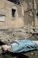 Torrita, Amatrice, 26 Agosto 2016.<br /> La Statua di Ges&ugrave; Cristo tra le macerie della Chiesa di Torrita, frazione di Amatrice. <br /> L'Italia &egrave; stata colpita da un potente, terremoto di 6,2 magnitudo nella notte del 24 agosto, 2016, che ha ucciso almeno 290 persone .<br /> A statue of Jesus Christ in the rubble of the Church of Torrita,a hamlet of Amatrice , earthquake in central Italy was struck by a powerful, 6.2-magnitude earthquake in the night of August 24, 2016, Which has killed at least 290 people and devastated hundreds of houses.